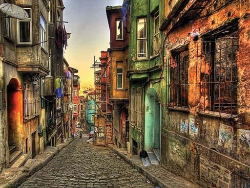 1346871489_balat-sokaklari-istanbul1